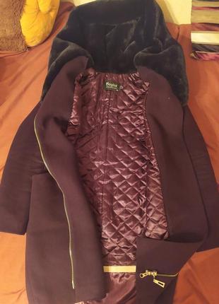 Дуже жіночне тепле пальто з капюшоном, 30% кашеміру