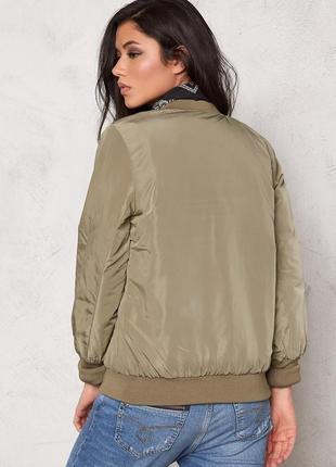 "Шикарная куртка бомпер , куртка ""пилот"" оливкового цвета"