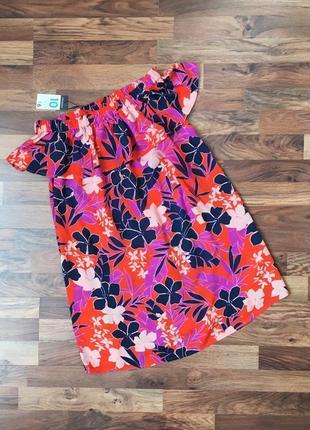 Новое с биркой вискозное коралловое платье в принт