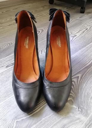 Шкіряні туфлі італія