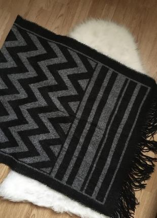 Большой чёрный серый палантин h&m,тёплый шарф с бахромой шарфик