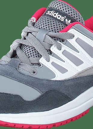 Кроссовки adidas оригинал 40