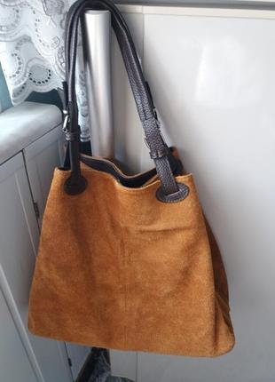 Итальянская замшевая сумочка emmy accessoires красивого рыжего цвета