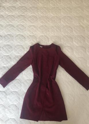 Бордове вельветове плаття