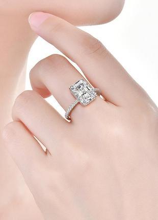 Серебрянное кольцо с 8 ми каратным лабораторным сапфиром бельгийской огранки