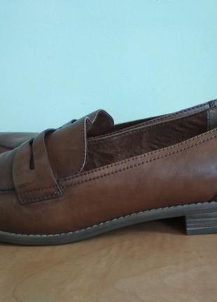 Кожаные туфли tamaris р.40