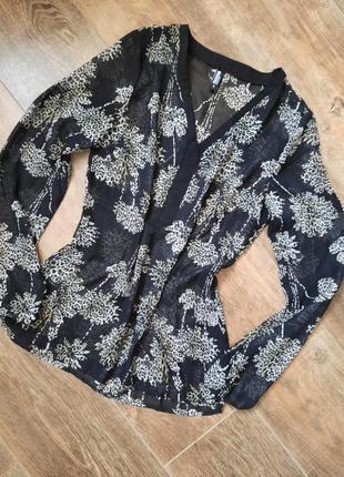 Шифоновая блуза в цветы