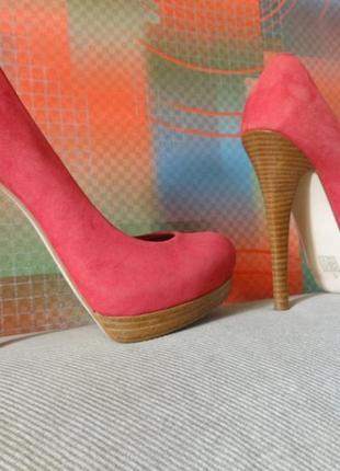 Туфли asos замшевые ярко-вишневого цвета на каблуке и платформе6 фото