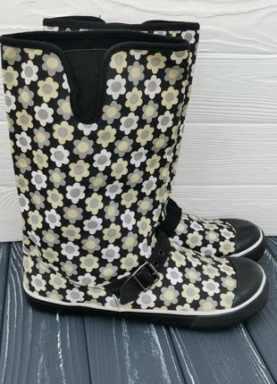Классные сапожки из текстиля в цветочки