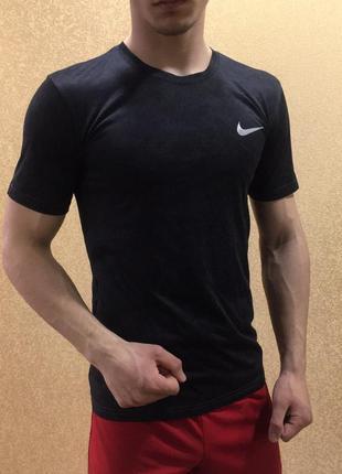 Футболка nike dri-fit. оригинальная мужская спортивная футболка nike. dri fit