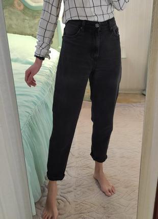 Плотные качественные чёрные мом джинсы mom с высокой посадкой бананы