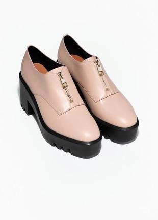Натуральные кожанные туфли на устойчивом каблуке и платформе