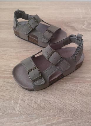 Стильные босоножки сандали хаки  carter's 27