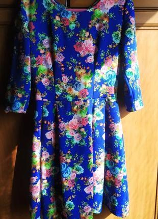Яркое платье с принтом розы, неон