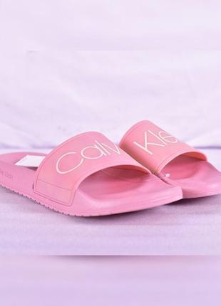 Розовые шлепанцы calvin klein