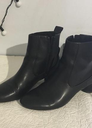 Шикарные ботинки челси от zara