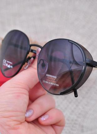 Красивые круглые солнцезащитные очки с боковой шорой gian marco venturi