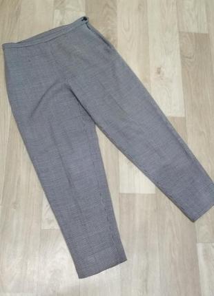 Укороченные брюки в мелкую гусиную лапку