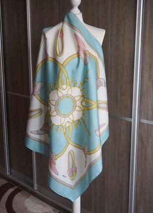Bally красивый шелковый платок.