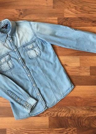 Джинсовая голубая рубашка1 фото