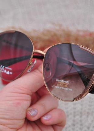 Красивые солнцезащитные очки с боковой шорой gian marco venturi gmv866