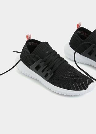 Кросівки oysho