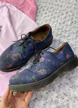 Оригинальные туфли dr martens в цветочек
