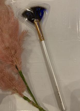 Кисть для хайлайтера luxie