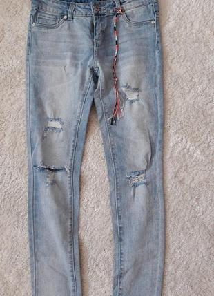 Голубые джинсы dkny