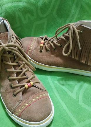 Замшевые ботиночки m&s