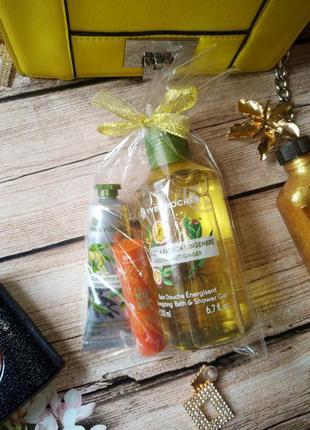 Набор ив роше: гель для душа маракуйя, крем для рук олива, бальзам для губ манго