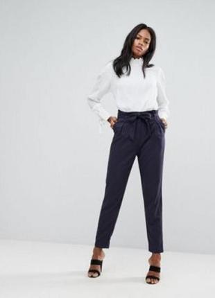 Шикарні брюки висока посадка.