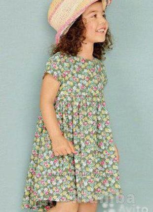 Летнее платье next на 3-4 года с цветочным рисунком