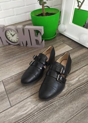 Шикарные клжаные туфли лоферы броги
