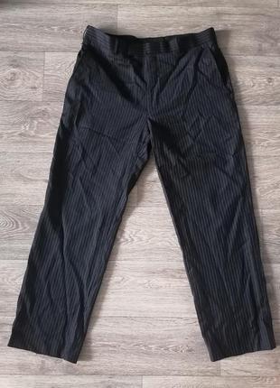 Стильные широкие брюки в мелкую полоску на пышные формы