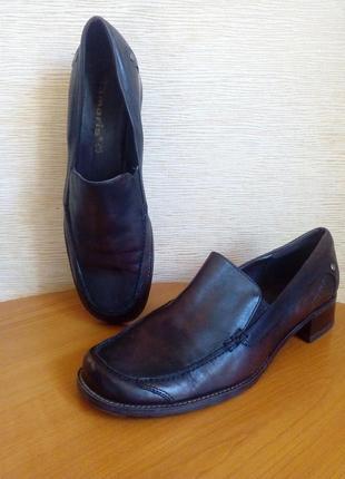 Кожаные туфли лоферы коричневого цвета