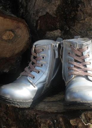 Стильные ботинки на девочку