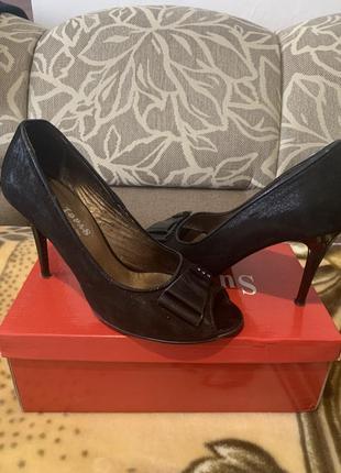 Туфли кожаные с открытым носком