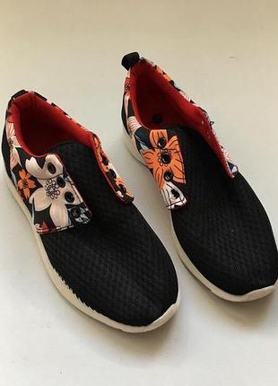 Новые кроссовки в цветочек1 фото