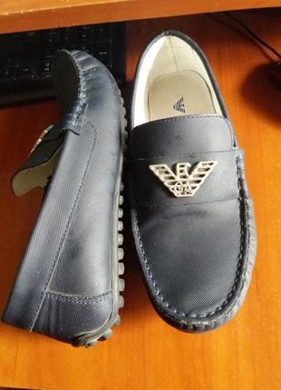 Класснючие туфли armani стелька 22см