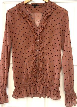 Блуза цвета корицы