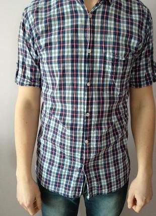 Стильна коттонова чоловіча сорочка в клітинку розмір s на фото одягнено на l