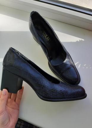 Кожаные туфли, лоферы