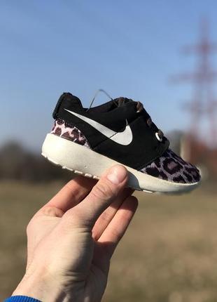 Nike леопрад спортивні кросівки