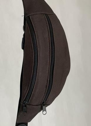 Стильная бананка натуральная кожа, модная сумка на пояс коричневая кожа б17