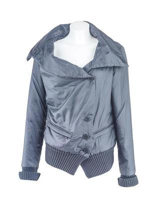 Черная курточка с вязаными манжетами