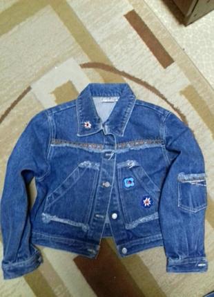 Класная джинсовая куртка2 фото