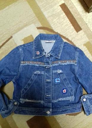 Класная джинсовая куртка