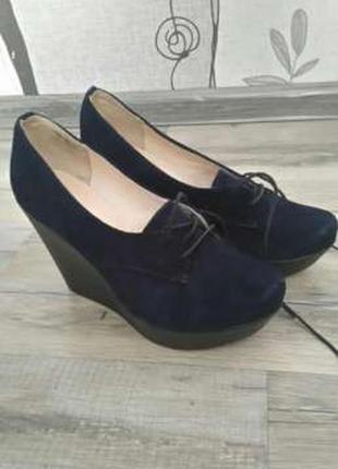 Туфлі темносинього кольру soldi