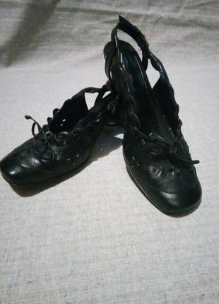 Босоножки туфли черные
